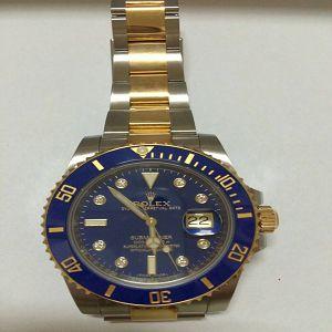 請問有在收購手錶嗎 我有一支ROLEX勞力士 想賣 買兩年了 保單收藏盒不見了 這樣價錢有差嗎
