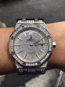 我有一顆AP愛彼錶 想請你們估一下 我需要30萬不知道可以嗎