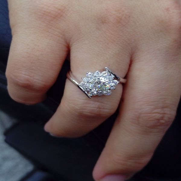 流當鑽石拍賣 1克拉 G色K金 豪華 鑽戒 5克拉視覺 特價出清