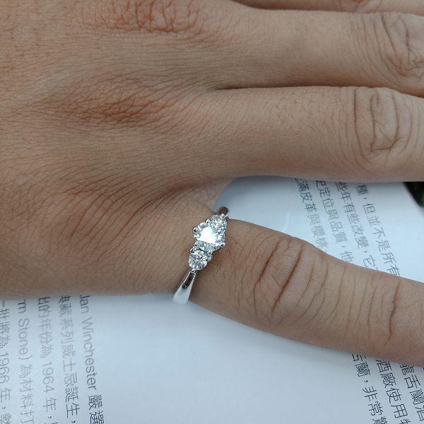 台中流當二手拍賣 流當鑽石 豪華 50分 G色 8心8箭 K金 女鑽戒 喜歡價可議 ZS239